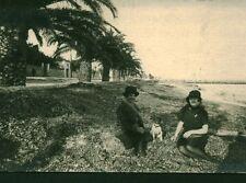 Carte photo ancienne femme posant sur la plage Nice 1930