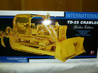International IH TD-25 Golden Dozer First Gear 1:25 Diecast Model #79-0001 New!