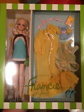 Kitty Corner Francie Gold label Silkstone NIB BARBIE doll Gift Set Limited!!!!