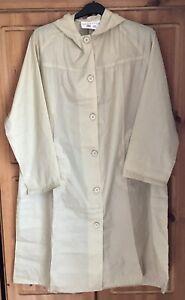 Woman's Vintage Rainstar Hooded Beige Noisy Nylon Mac Raincoat UK 20