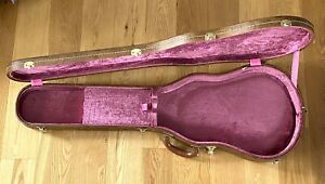 GIBSON HISTORIC RE-ISSUE LIFTON CASE PINK INTERIOR IN EXCELLENT CONDITION