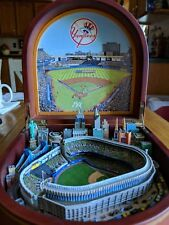 Danbury Mint The New York Yankees Music Box NY City With Stadium