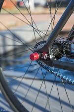 Antifurto cerchio ruota bici NutFix M10 rosso Solido Assale bicicletta sicurezza