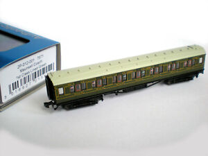 Dapol N Gauge SR Maunsell 1st Class Lined Green Coach (new condition, boxed)