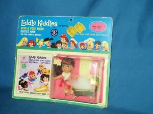 Soapy Siddle Liddle Kiddle and accessories-never removed from card