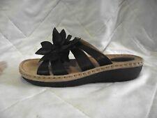 Clarks Artisan Womens 10M Amaya Lilly Black Leather Sandals Flower 63811 EUC