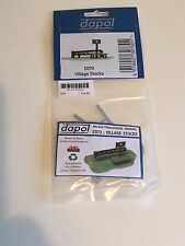 DAPOL KITMASTER PLASTIC KIT CO73 VILLAGE STOCKS  '00' SCALE £3.99 INC P/P