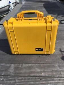Peli protector case 1550 yellow