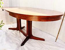 TABLE EN PALISSANDRE EXTENSIBLE À 2,50 m STYLE SCANDINAVE.POUR 10 à 12 PERSONNES