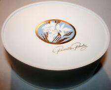 MOMENTS by PRISCILLA PRESLEY  DUSTING  BODY BATH POWDER  SEALED 5 OZ