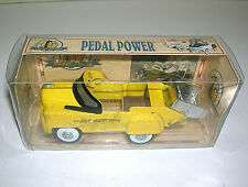"Golden Wheel Die Cast Metal Heavy Duty Dump Truck Pedal Power Car Yellow 5"" Long"