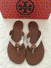 TORY BURCH Thora Silver GOLD LOGO LEATHER Sandal Flip Flop  Size 7 New