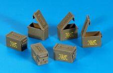 Plus Model 1:35 US Ammunition Boxes Cal. 5,56 PE Diorama Accessory #318