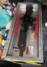 """HK 416 Airsoft AEG in cool glass """"in case of zombies"""" case"""