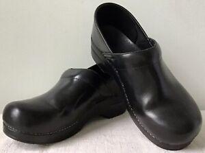 Dansko Professional Leather Clog NonSkid Polyurethane Soles EU40 US9/9.5 ($129)