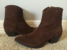 New FRYE Women's Sacha Short Chocolate Dark Brown Suede Boots Sz 11 Retail $328
