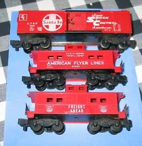 AMERICAN FLYER 24054 SANTA FE BOXCAR, GAME TRAIN & 24636 CABOOSES PM COUPLERS NI
