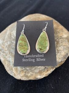 Womens Native American Navajo Green Gaspeite Sterling Silver Earrings 396 Gift
