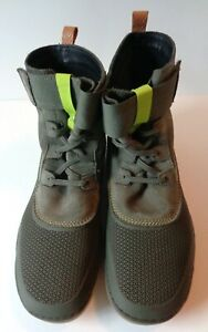 """Clarks """"Nature"""" Olive Green Children's Size 6M Ankle Boots, Excellent Condition"""