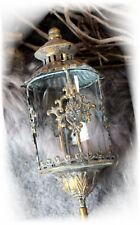 Stab Laterne gold Metall Gartendeko Shabby Vintage Landhaus Lilie Gartenstecker