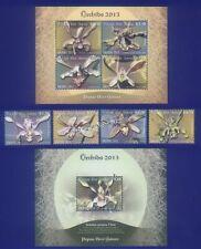 Briefmarken mit Blumen-Thema aus Papua-Neuguinea