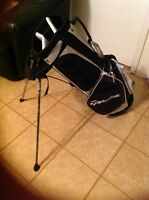 TAYLORMADE CARRY LITE GOLF BAG, # N2362301 N / W / TAGS,BLACK / WHITE / CHARCOAL