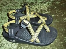 Men's Chaco strap sport sandals shoes size 9