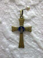 Ancien petit crucifix en laiton