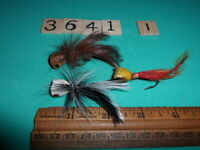 T3642 I LOT OF 3 UNKNOWN UNMARKED VINTAGE FLY FISHING LURES