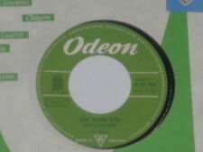 """THE BEATLES -She Loves You- 7"""" 45"""
