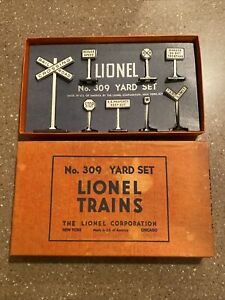 Vintage LIONEL # No. 309 YARD SET with box MINT USA Signs Crossing RR Layouts