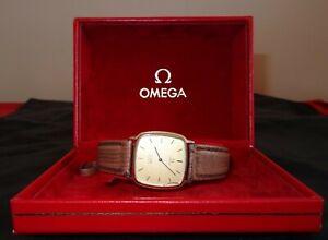 Omega De Ville gentleman's wristwatch with original box needs some repairs