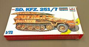 ESCI 8343 SD.KFZ.251/7 PIONEER VEHICLE 1/72
