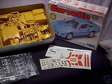 Model Kit Chev Corvette 2 in 1