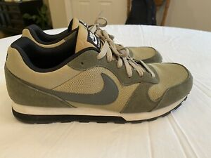 GREEN NIKE SNEAKERS MD RUNNER 2 MENs Size 12