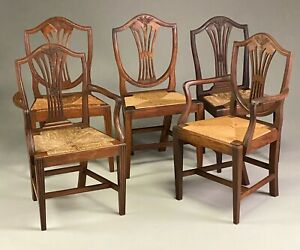 GOOD ASSOCIATED SET OF FIVE HEPPLEWHITE MAHOGANY SHIELD BACK DINING CHAIRS.