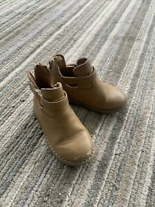 old navy baby girl brown boots size 7