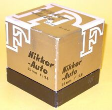 Nikon NIKKOR-S Auto 35mm 1:2,8 lens in MINT condition with Bubble, Cap and Box!