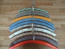 Vintage DDR Holz Bügel Kleiderbügel 11 Stück umhäkelt Stoff Plaste Kult Ostalgie