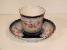 Ancienne tasse en porcelaine - bleu de four et fleurs - qualité à voir !
