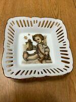 Hummel Guiding Angel Reutter Porzellan Collector Dish Tray Plate