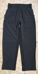 Lululemon Loose Fit Yoga Capri Pants size 6 Black
