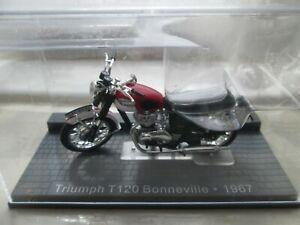 TRIUMPH T120 BONNEIVLLE 1967 IXO MUSEUM 1-24 SCALE MOTORCYCLE MODEL