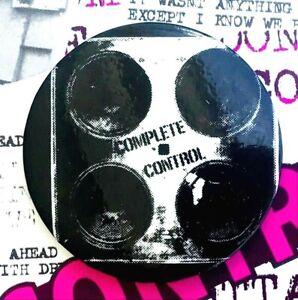 THE CLASH: 1977 Mint Original COMPLETE CONTROL  Punk Badge - 1st Edition