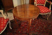 Table basse guéridon circulaire à décor marqueté et plateau de verre style Louis