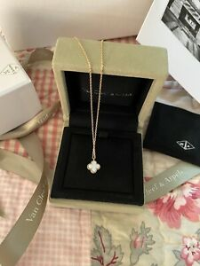 Van Cleef And Arpels Sweet Alhambra Mother Of Pearl NWT