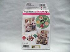 Simplicity #2492 Child's & Misses' Aprons, Kitchen Access. & Felt Food Pattern