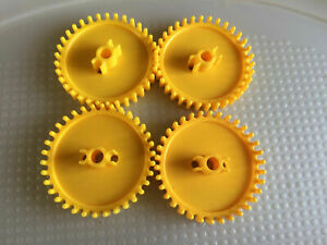 """KNEX K'Nex YELLOW GEARS 2 1/4"""" DIA Standard Replacement Parts LOT 4 FREE SHIP"""