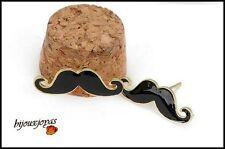 Boucles d'Oreilles Moustaches Email Noir Métal Doré