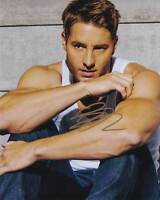 Justin Hartley In-Person AUTHENTIC Autographed Photo COA SHA #51519